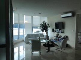Se vende o se alquila hermoso apartamento en PH Playa Bonita
